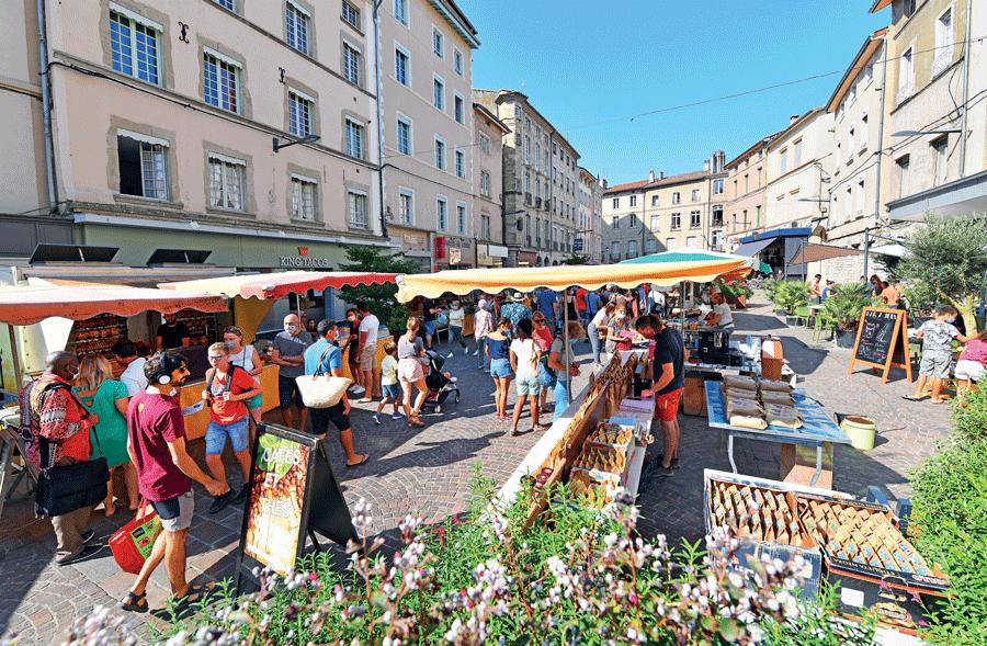 COVID-19 : Dépistage sur les marchés romanais