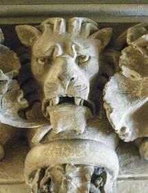 Monstres, chimères et créatures à Romans
