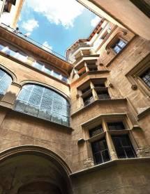 Les Cours des hôtels particuliers de Romans