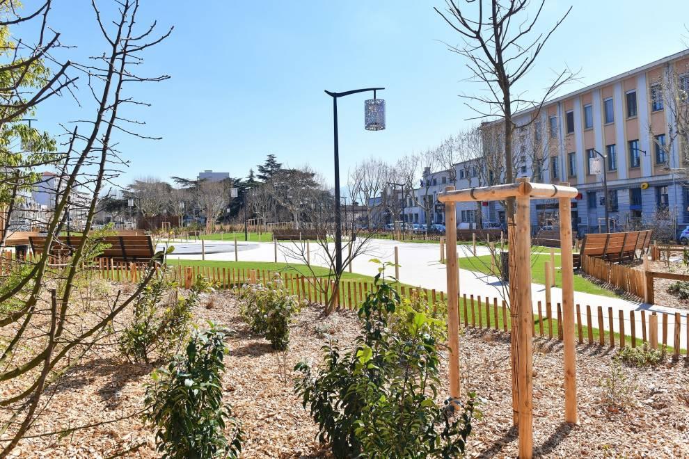 Le parc du Champ-de-Mars ouvre lundi !