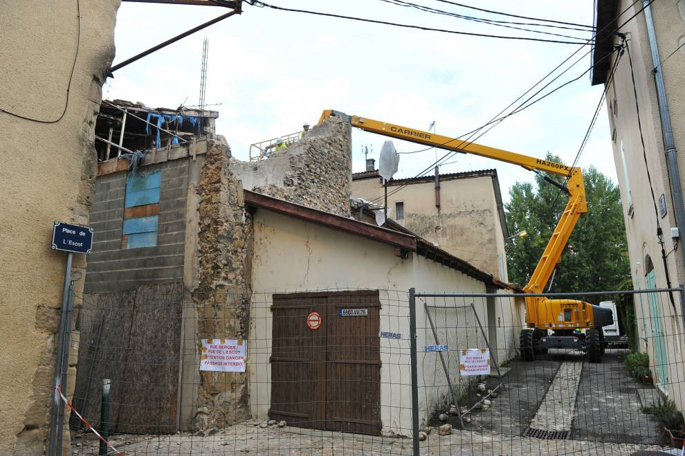 Rue l'Escot, maison menaçant de s'effondrer