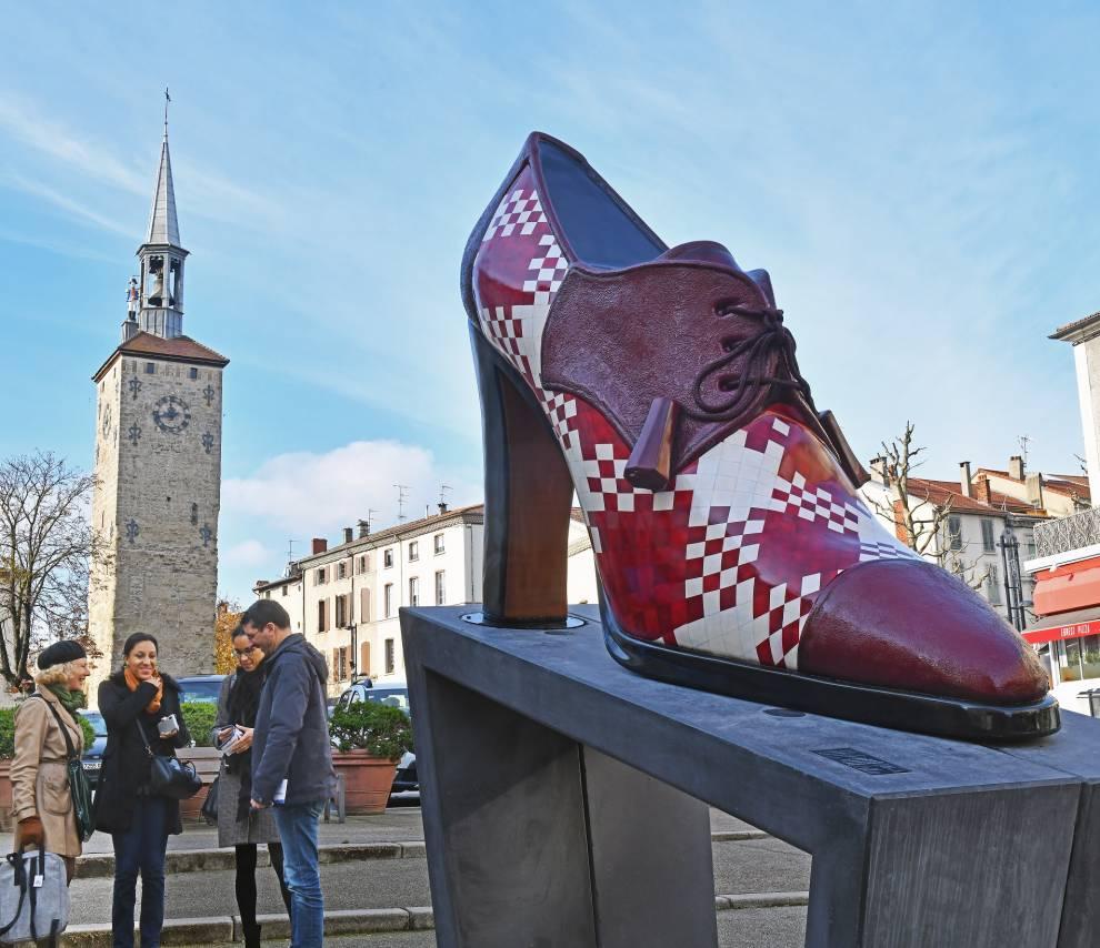 Chaussures géantes : suivez le guide…